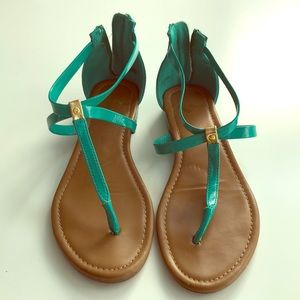 Report Turquoise sandals